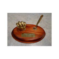 6-thickbox_default-single-sculpture-with-pen-trumpet-6